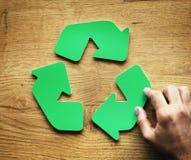绿色回收标志 免版税库存照片
