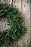绿色圣诞节花圈 免版税图库摄影