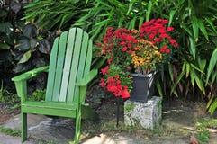 绿色夏天椅子 免版税图库摄影