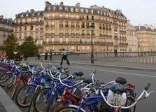 绿色巴黎旅游业 免版税库存图片
