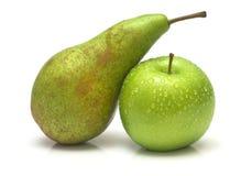 绿色梨和苹果 免版税图库摄影