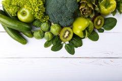 绿色水果和蔬菜的混合 免版税库存照片