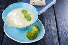 绿色汤用菠菜 吃健康 菜 免版税库存图片
