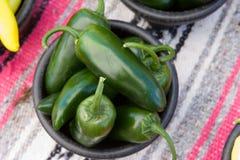 绿色热墨西哥胡椒 免版税图库摄影