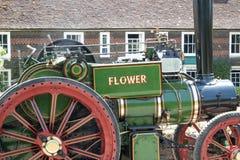 绿色牵引车在肯特英国 库存照片