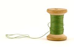 绿色短管轴线程数 免版税库存照片