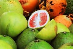 绿色红色葡萄柚纹理 库存图片