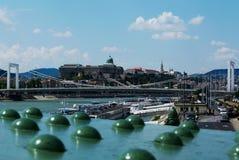 绿色自由桥梁在布达佩斯和多瑙河 免版税库存照片