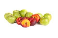 绿色苹果和油桃 库存照片