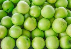 绿色苹果堆 免版税图库摄影