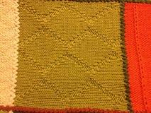 绿色被编织的五颜六色的老婆婆正方形毯子 图库摄影