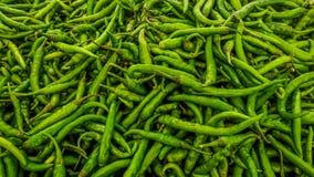 绿色辣椒在印度市场上 免版税库存图片