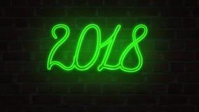 绿色霓虹点燃对砖墙的牌2018新年好 皇族释放例证