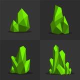 绿色鲜绿色五颜六色的发光的鲜绿色的水晶 免版税库存照片