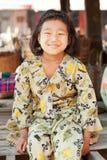 年轻缅甸女孩画象, Inle湖 库存照片