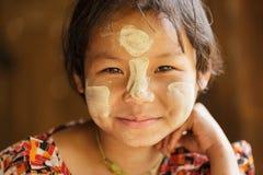缅甸小女孩画象 库存照片