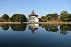 缅甸的曼德勒宫殿 库存图片
