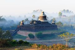 缅甸, Mrauk U寺庙, Dukkanthein Paya 免版税库存照片