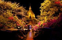 缅甸 Bagan寺庙在晚上 图库摄影