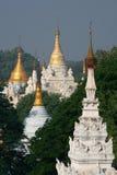 缅甸stupas 免版税库存图片