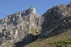 缆索铁路在南非开普敦有制表山的看法 库存图片