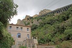 缆索铁路的圣诞老人Cova的驻地本尼迪克特的修道院的圣玛丽亚de蒙特塞拉特在莫尼斯特罗尔德莫恩特塞拉特,西班牙 库存图片