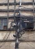 缆绳和导线混乱在加尔各答 库存图片
