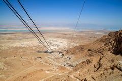 缆绳看法从电车推力的在马萨达,以色列 库存照片