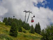 缆绳运输在锡纳亚,罗马尼亚 免版税库存图片