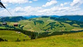 缆车在Alpe di Siusi,意大利 图库摄影