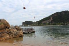 缆车在Seaquarium,中国,大连海洋公园 免版税库存照片