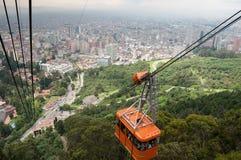 缆车有街市看法波哥大 哥伦比亚 免版税库存照片