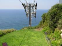 缆车的缆绳在Rosh Hanikra的 图库摄影