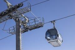 缆车,滑雪电缆车,滑雪客舱 免版税库存图片