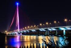 缆绳停留桥梁Tran thi Ly - Da nang越南 库存照片