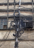 缆绳和导线混乱在加尔各答 库存照片