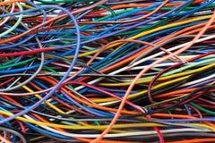 缆绳导线和连接器五颜六色的混乱  免版税图库摄影