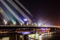 缆绳被停留的桥梁的片段 库存图片