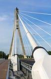 缆绳被停留的桥梁的细节 库存照片