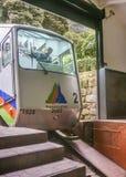 缆索铁路到达Monserrate小山在波哥大哥伦比亚 免版税库存图片