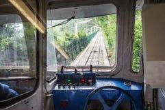 缆索铁路的火车客舱内部在Tibidabo,巴塞罗那,西班牙登上的  免版税库存照片