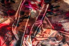 缎子的被弄皱的织品背景 免版税库存图片