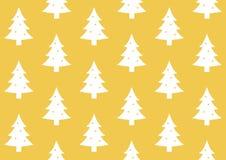 缎带包装在金黄背景样式的圣诞树 免版税库存图片