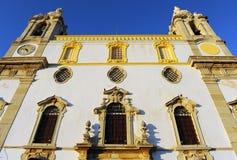 缓慢的卡尔穆教会做卡尔穆广场,法鲁,葡萄牙 免版税图库摄影