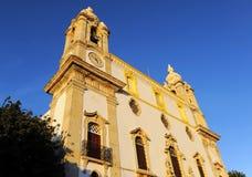缓慢的卡尔穆教会做卡尔穆广场,法鲁,葡萄牙 库存图片