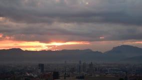 缓慢的黎明的录影在城市的风景的 股票视频