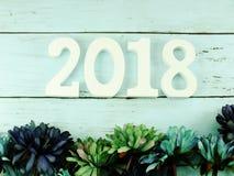 编号木物质新年好有在木背景的装饰顶视图 库存图片