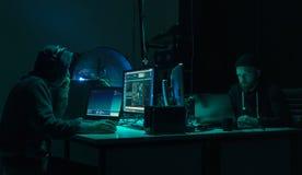 编码病毒ransomware的被要的黑客使用膝上型计算机和计算机 网络攻击,系统打破和malware概念 免版税库存图片