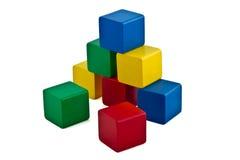 编译五颜六色的金字塔的块 免版税库存照片