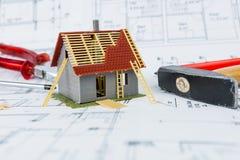 编译新概念的房子 免版税库存图片